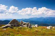 Free Summer Landscape In The Mountains Royalty Free Stock Photos - 22476898