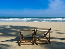 Free Double Beach Bench Stock Image - 22482691