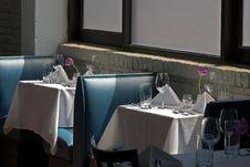 Free White Table Cloth Restaurant Royalty Free Stock Photo - 2255995
