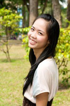 Free Traditional Vietnamese Girl Royalty Free Stock Photos - 22500608