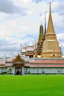 Free Wat Phra Kaew Royalty Free Stock Photo - 22504305
