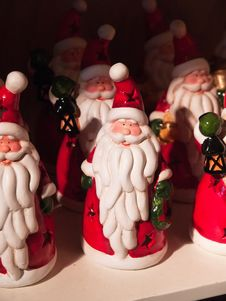 Free Santa Claus Figurines Royalty Free Stock Image - 22513816