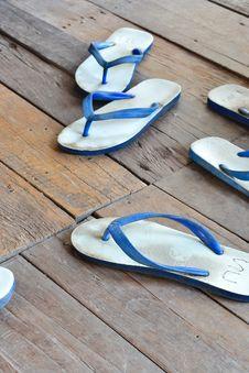 Free Sandal Or Slipper Royalty Free Stock Image - 22529736