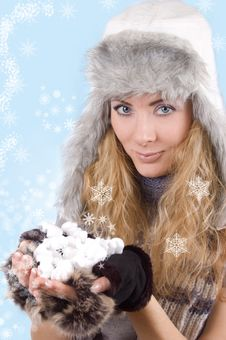Free Woman In Winter Hat And Gloves With Snowflakes Royalty Free Stock Photos - 22531398