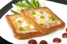 Free Toasted White Bread With An Egg Stock Photography - 22563032