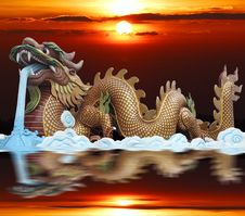 Golden Dragon With Red Column Royalty Free Stock Photos