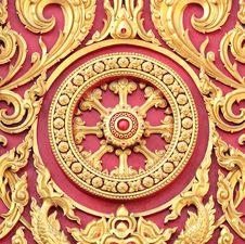 Free Thai Style Sculpture Art On Door Royalty Free Stock Photo - 22581955