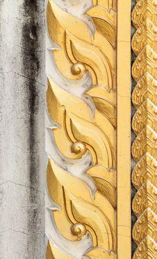 Free Thai Style Sculpture Art On Door Royalty Free Stock Image - 22582036