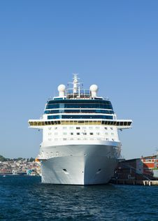 Free Cruise Ship Front View Stock Image - 22585771