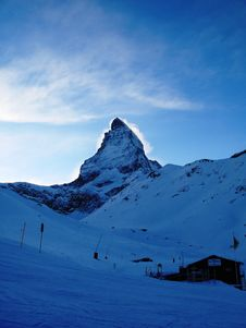 Free A Misty Matterhorn Royalty Free Stock Image - 22589276