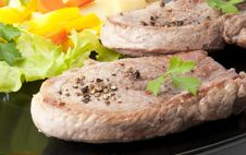 Free Steak With Vegetables Stock Image - 22596411