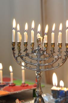 Free Menorah Royalty Free Stock Photos - 22598128