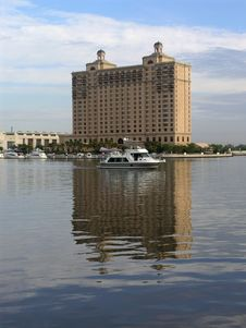 Free Luxury Hotel & Yacht Royalty Free Stock Photos - 2261508
