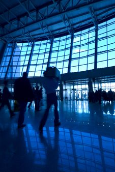 Free People Silhouettes At Airport Royalty Free Stock Photography - 2263787