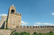 Free Walls Of Old Castle Royalty Free Stock Photography - 2265697
