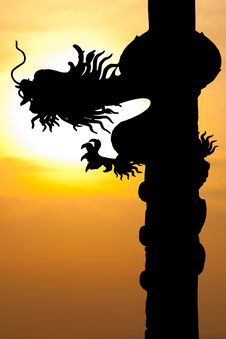 Free Dragon Silhouette With Sunset Royalty Free Stock Photo - 22613705