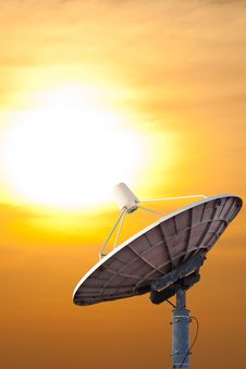 Free Satellite Dish In The Evening Sun Royalty Free Stock Photography - 22613717