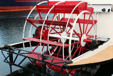 Free Paddle Wheel Royalty Free Stock Photo - 22626235