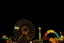 Free Light Of Funfair In Night Royalty Free Stock Photo - 22627325