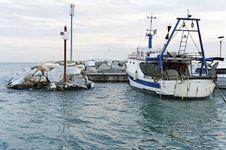Free Fishing Boat Royalty Free Stock Photos - 22646938