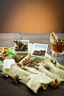 Free Aromatic Spices And Decoration For Tea Royalty Free Stock Photography - 22669417