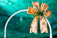 Free Gold Gift Ribbon On Arc Royalty Free Stock Photos - 22673338
