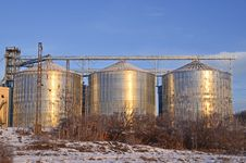 Free Silos Royalty Free Stock Image - 22673756