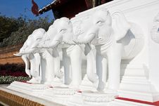 Free Statue Of White Elephant Royalty Free Stock Image - 22681676