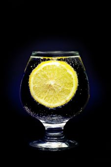 Free A Glass With Lemon Royalty Free Stock Image - 22682896