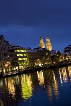 Free Zurich Night Cathedral Royalty Free Stock Photo - 22686645
