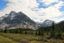 Free Canadian Rocky Mountains Stock Photography - 22696472