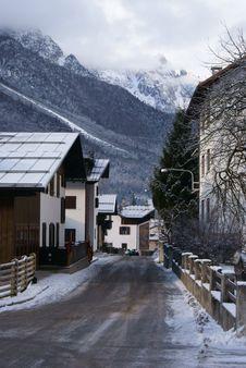 Free Forni Snow Royalty Free Stock Photo - 22698475