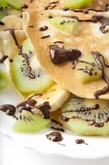 Free Pancakes With Kiwi And Banana Stock Images - 22699444
