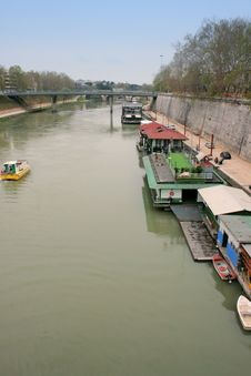 Free House-boats On River Tevere Stock Photos - 2277053
