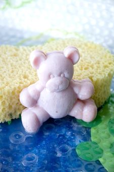Free Pink Teddy Bear Soap Bar Royalty Free Stock Photo - 22702285