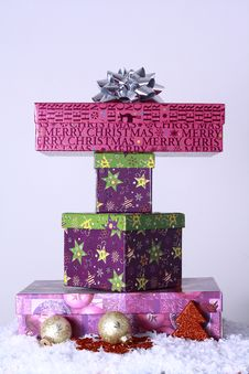 Free Christmas Gifts Royalty Free Stock Photos - 22710068