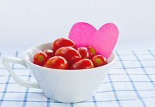 Free Cup Of Fresh Tomatoes Royalty Free Stock Image - 22730586