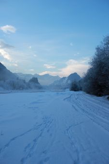 Free Winter Landscape Royalty Free Stock Photography - 22735517