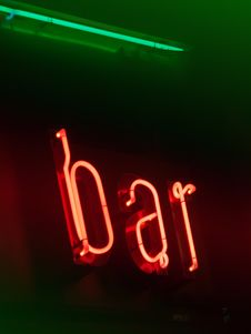Free Neon Bar Signboard Royalty Free Stock Photography - 22746997