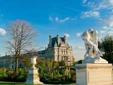 Free Jardin Des Tuileries, Paris Royalty Free Stock Photo - 22759745