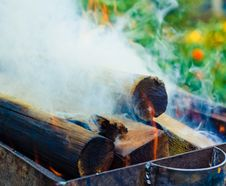 Free Wood On Fire Royalty Free Stock Photo - 22763995