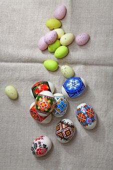 Free Easter Eggs On Linen Fabric Stock Photography - 22773062