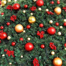 Free Decorative Christmas Balls Royalty Free Stock Photos - 22780108
