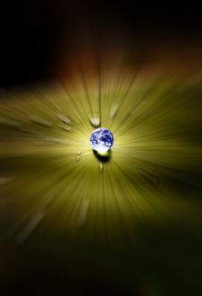 Free Planet Earth Waterdrop On Leaf Royalty Free Stock Photos - 22782058