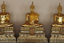 Free Golden Buddhas At Temple In Thailand. Royalty Free Stock Photography - 22789777