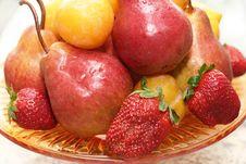 Free Fruits Vase Royalty Free Stock Photography - 2283777