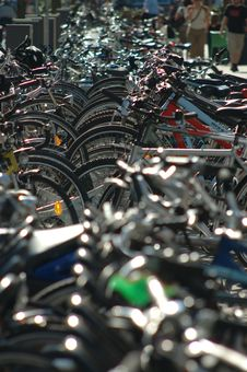 Free Endless Bicycles Royalty Free Stock Image - 2286006