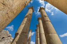 Free Columns From The Temple Of Artemis, Jerash Royalty Free Stock Image - 22812486