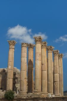 Free Columns From The Temple Of Artemis, Jerash Royalty Free Stock Images - 22812499