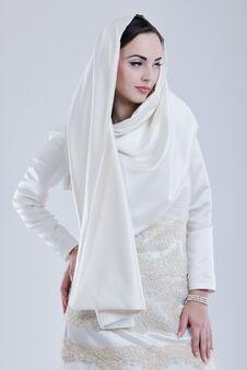 Free Beautiful Bride Royalty Free Stock Image - 22816976